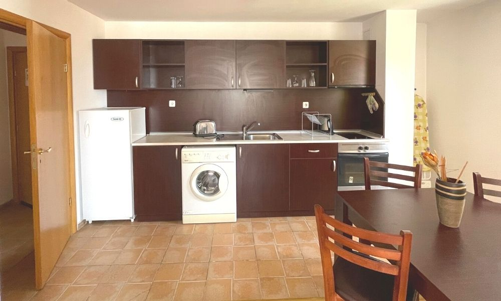 four leaf clover fully furnished apartments for short term